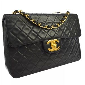 CHANEL Quilted Jumbo CC Double Chain Shoulder Bag